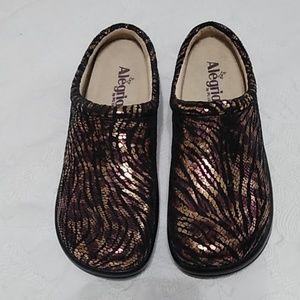 Alegria nursing shoes.